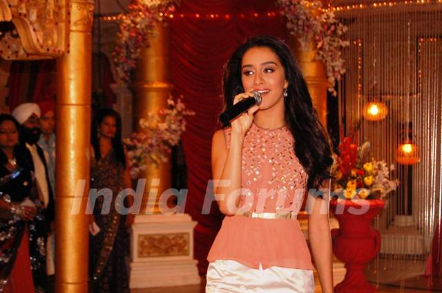 Shraddha Kapoor performs at the Promotion of Ek Villain on Kumkum Bhagya