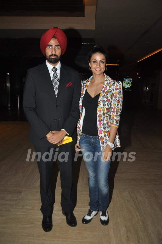 Gul Panag poses with husband at the Premier of 'Step Up All In'
