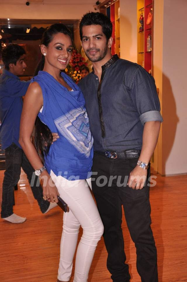 Reshmi Ghosh & Amit Tandon at the Launch of a New Play Around Centre