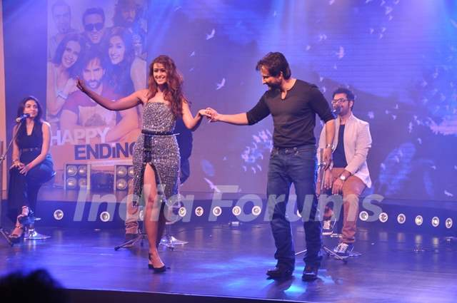 Saif Ali Khan and Ileana D'cruz perform at the Music Launch of Happy Ending