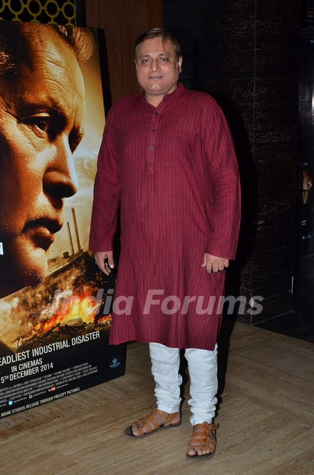 Manoj Joshi poses for the media at the Premier of Bhopal: A Prayer for Rain