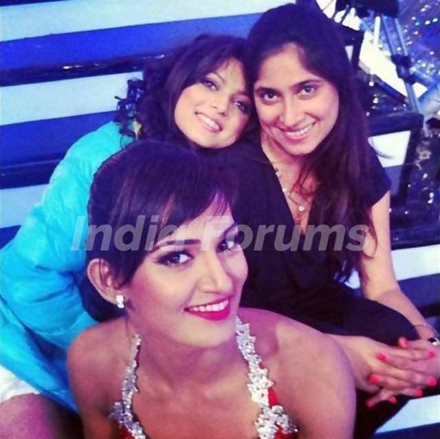 Drashti and Mukti with Shaan's wife Radhika