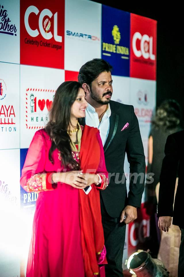 Sreesanth along with wife Bhuvneshwari Kumari at Hundred Hearts' Glamorous Charity Dinner