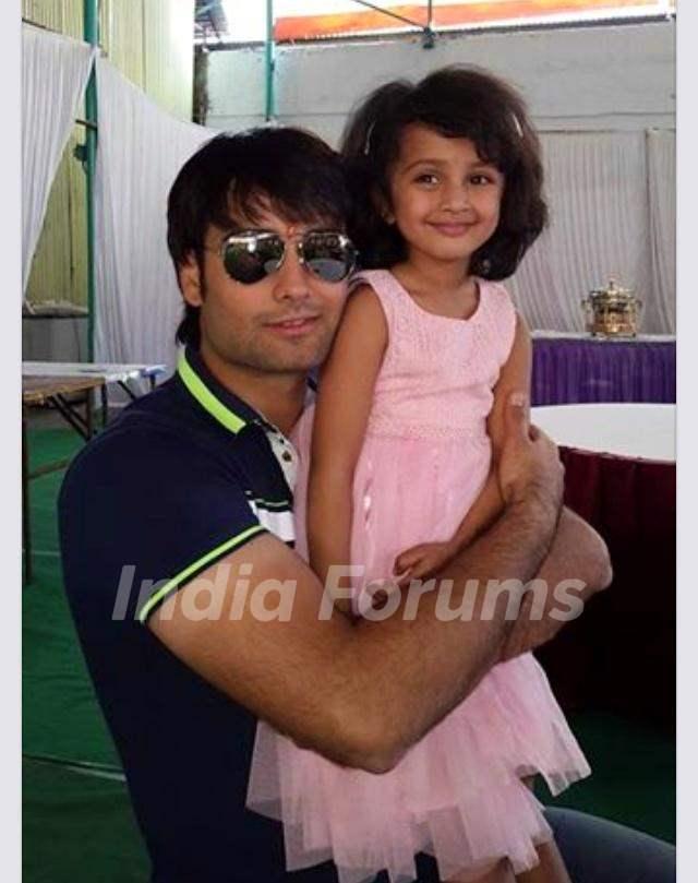 Vivian Dsena with kid