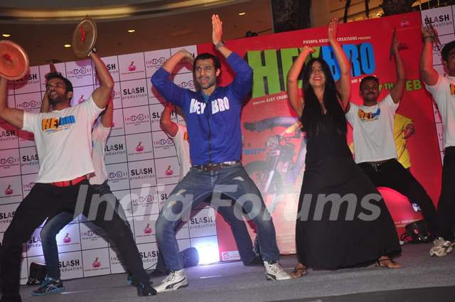 Hanif Hilal and Mahie Gill perform at the Promotions of Hey Bro