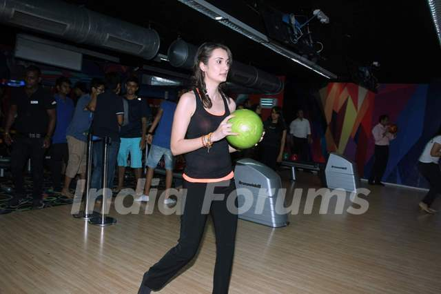 Vaishali Desai was snapped playing at the Promotions of Solid Patels