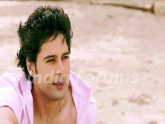 Rajeev Khandelwal in Table No. 21 movie
