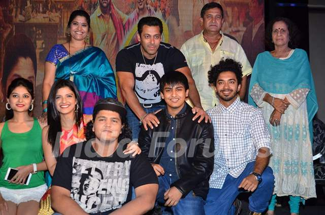 Salman, Renuka Shahane, Mahesh Manjrekar and Usha Nadkarni at Promotions of Marathi Movie 'Janiva'