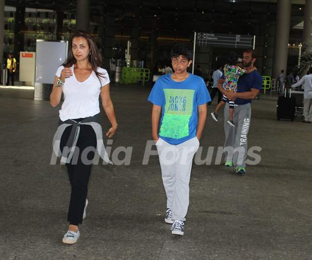 Seema Khan was snapped with elder Son at International Airport