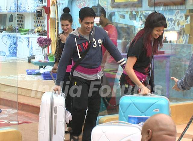 Bigg Boss Nau Day 5 - Aman Verma and Kishwer Merchantt