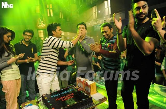 Akshay and Abhishek Celebrates Riteish Deshmukh's 37th Birthday on the Sets of Housefull 3