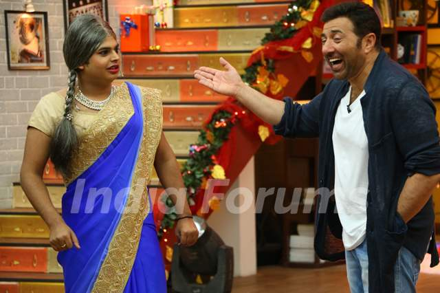 Sunny Deol Promotes Ghayal Once Again on Comedy Classes