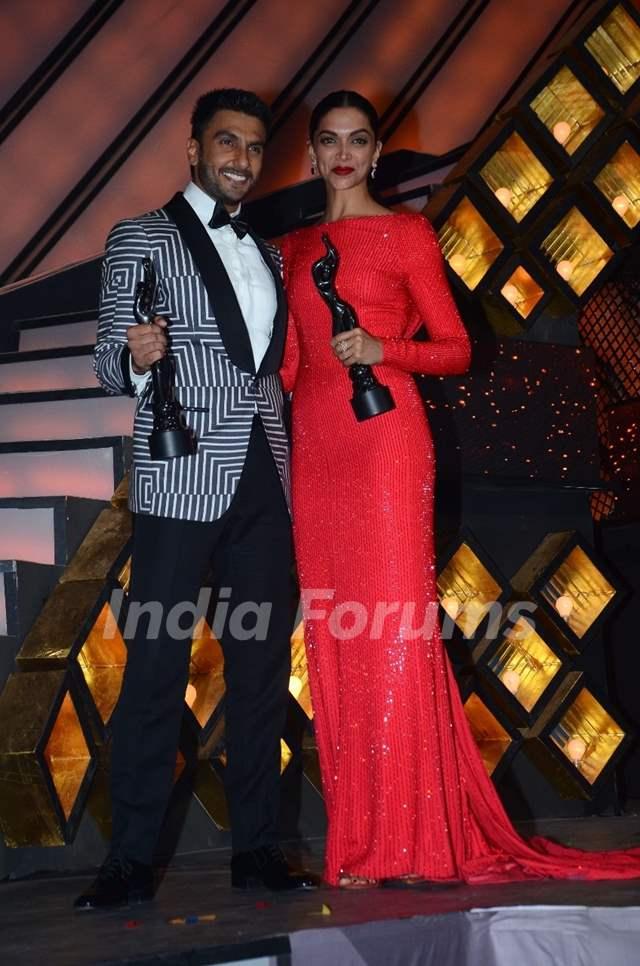 Ranveer Singh and Deepika Padukone at Filmfare