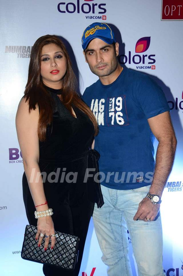 Vivian and Vahbbiz Dsena at Launch of Anthem for BCL Team 'Mumbai Tigers'