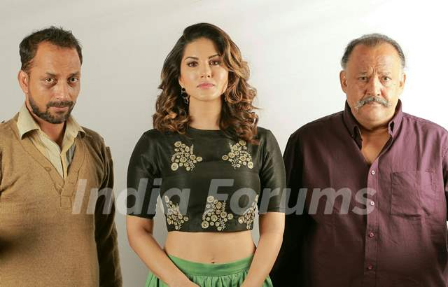 Sunny Leone, Alok Nath and Deepak Dobriyal come together for a quirky anti-smoking Ad