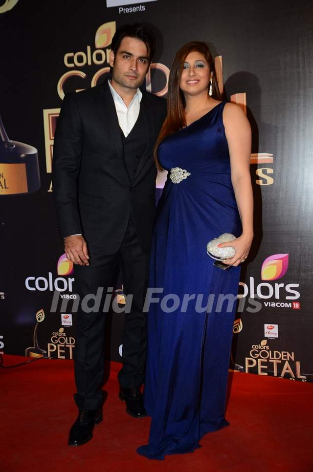 Vivian and Vahbbiz Dsena at Golden Petal Awards 2016