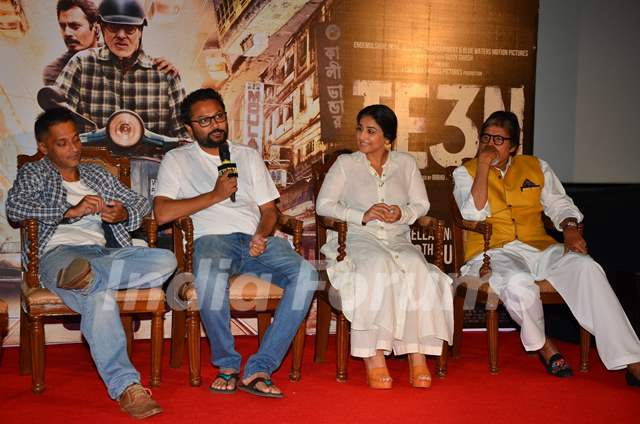 Sujoy Ghosh, Ribhu Dasgupta and Amitabh Bachchan and Vidya Balan at Trailer Launch of 'TE3N'