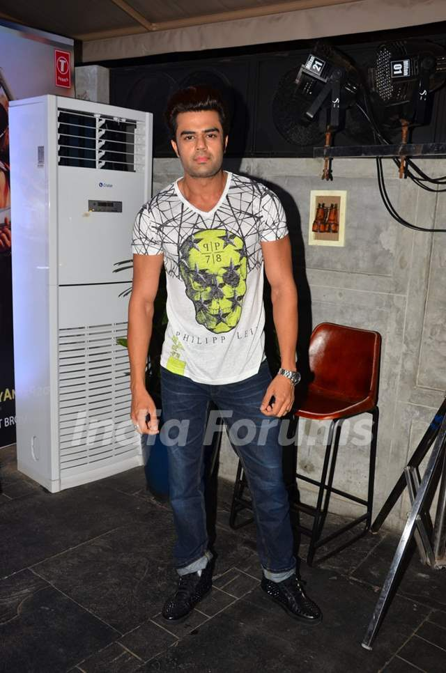 Manish Paul at Meet Bros Bash