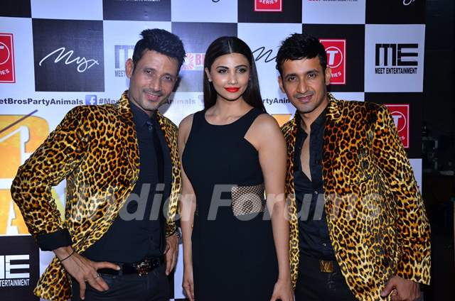Daisy Shah at Meet Bros Bash