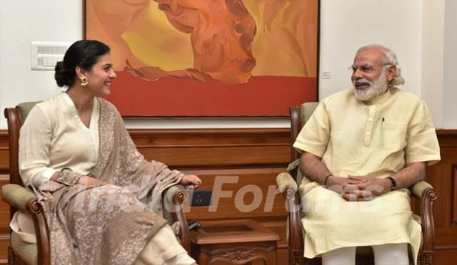 Kajol meets PM. Narendra Modi
