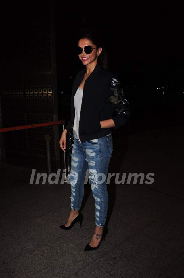 Deepika Padukone Snapped while Leaving for London