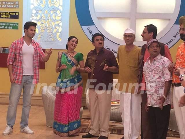 Superstar Varun Dhawan Promotes 'Dishoom' on SAB TV's Taarak Mehta Ka Ooltah Chashma!