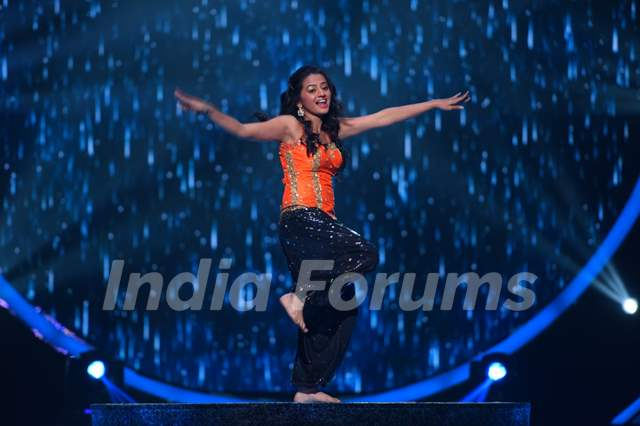 Helly Shah at the Grand Opening of 'Jhalak Dikhhla Jaa 2016'