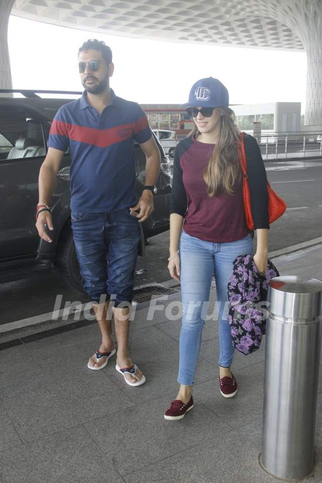 Yuvraj Singh snapped at Airport