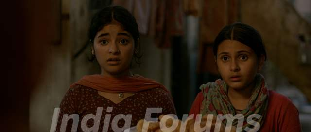 Still of Zaira Wasim and Suhani Bhatnagar from Dangal
