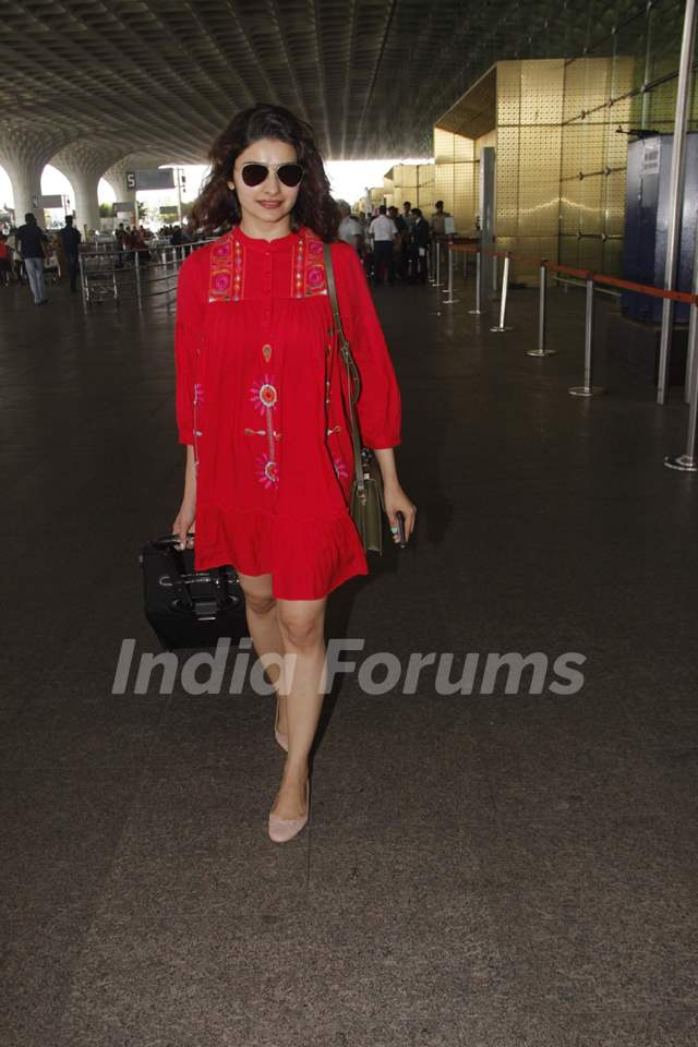 Prachi Desai snapped at the Airport!