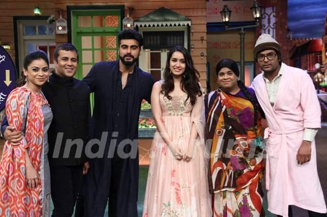 Arjun Kapoor, Shraddha Kapoor and Chetan Bhagat promote'Half Girlfriend' on 'The Kapil Sharma Show'