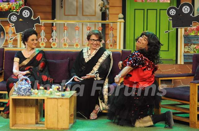 Asha Parekh and Helen fun moments with Kiku Sharda on the sets of 'The Kapil Sharma Show'