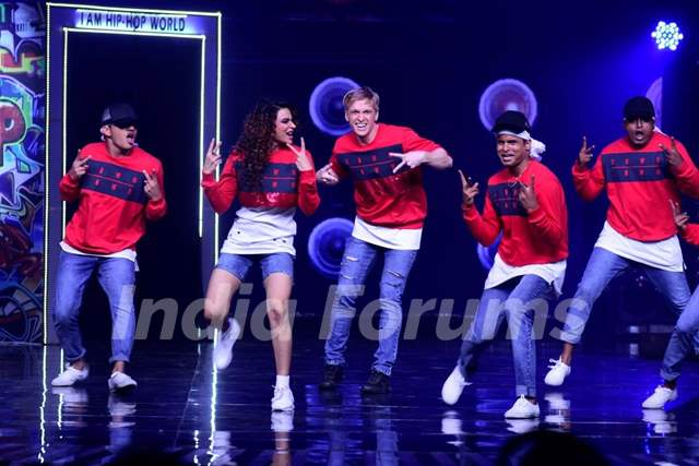 Aashka and Brent performing with 'I am Hip Hop' crew on the sets of Nach Baliye 8