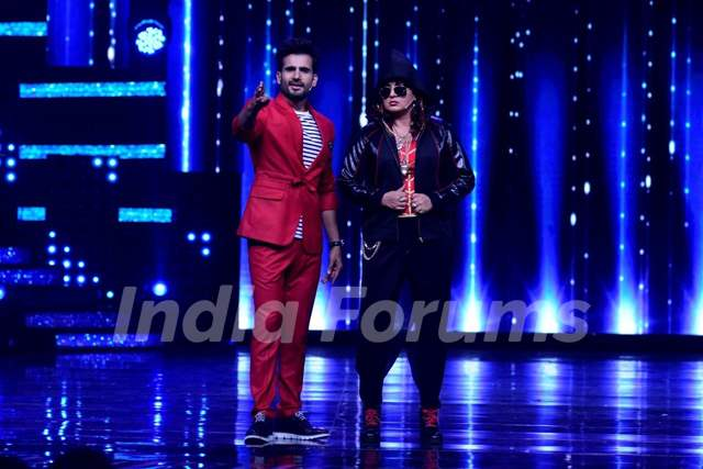 Hosts on the show Nach Baliye 8- Karan Tacker and Upasana Singh