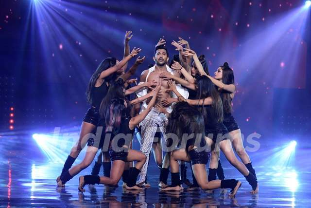 Judge Terence Lewis performs on the sets of Nach Baliye 8
