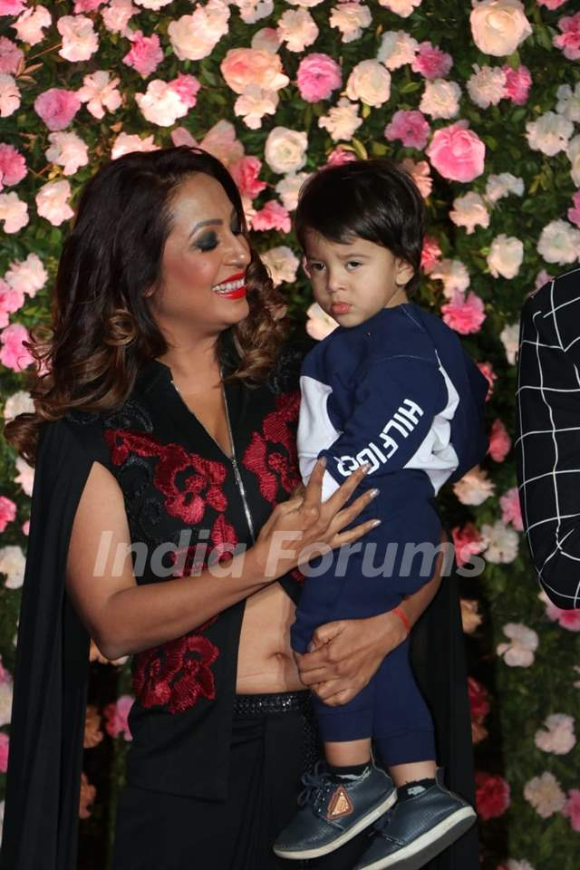 Kashmira Shah with son at Kapil Sharma and Ginni Chatrath's Reception, Mumbai