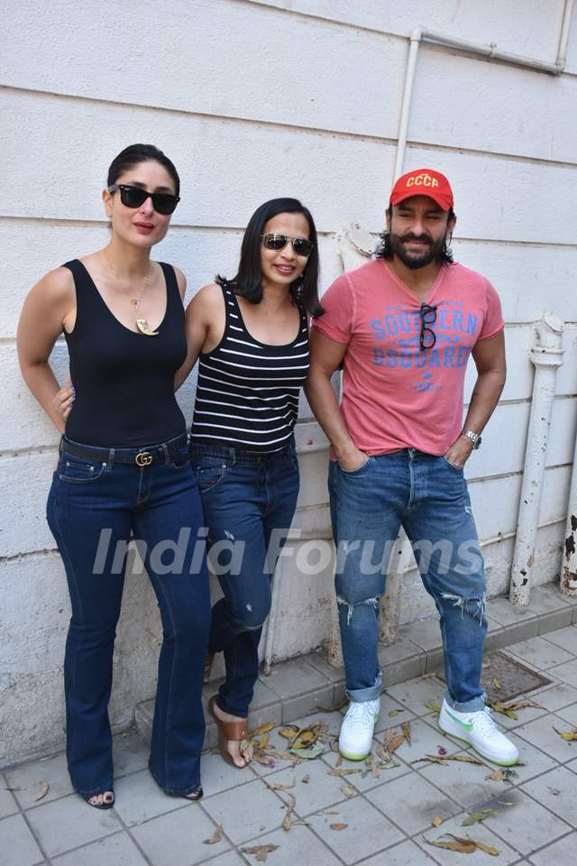 Kareena Kapoor, Rujuta Diwekar and Saif Ali Khan get snapped by paparazzis