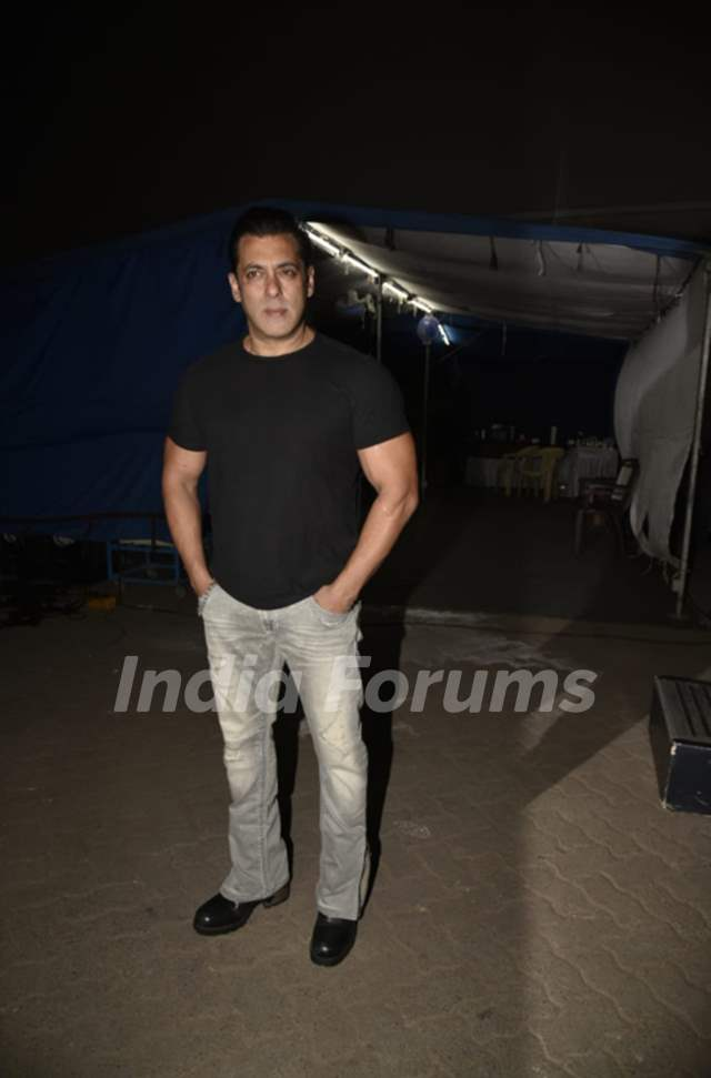 Salman Khan snapped at the promotions of Bharat