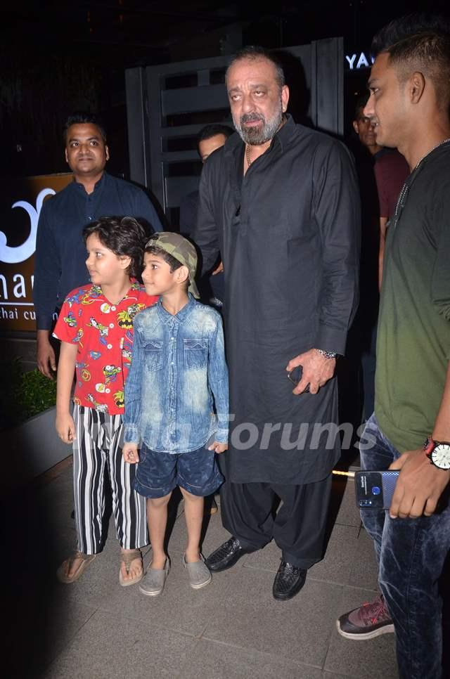Sanjay Dutt celebrates his birthday with family and friends!