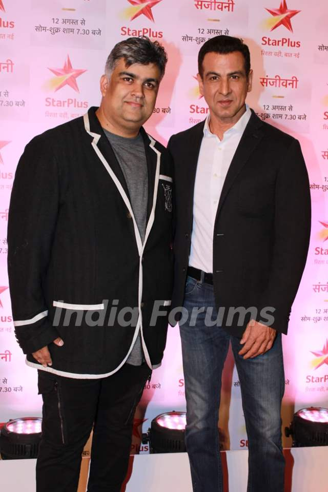 Siddharth P Malhotra and Ronit Roy