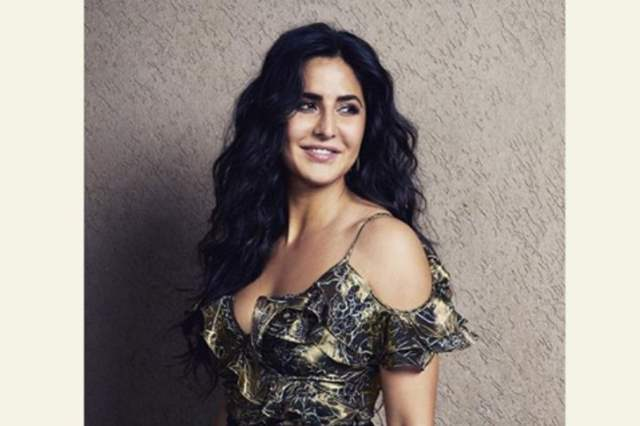 Katrina Kaif saves a photographer from getting hit by a ...