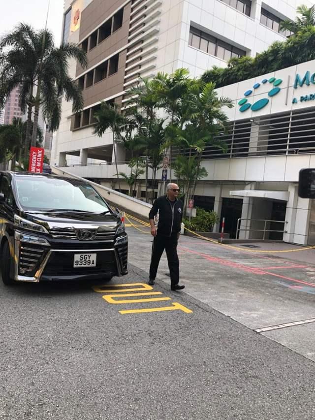 boney kapoor at singapore to meet amar singh
