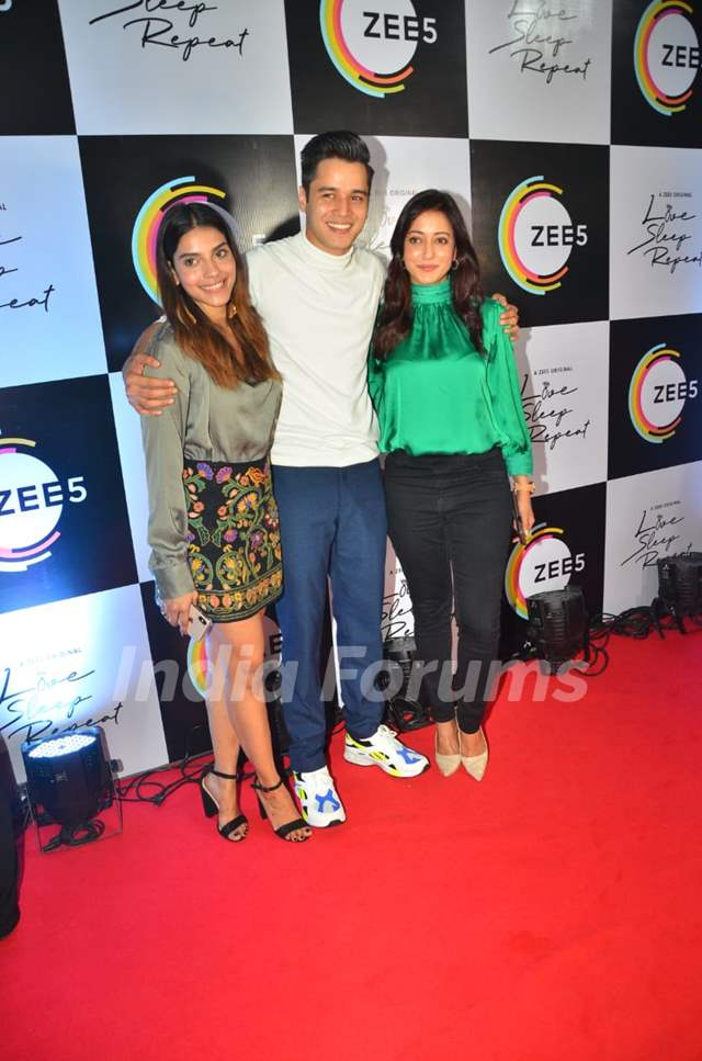 Harshadaa Vijay, Anshuman Malhotra and Raima Sen