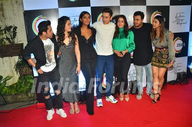 Ravin Makhij, Priyal Gor, Teena Singh, Anshuman Malhotra, Raima Sen and Harshadaa Vijay
