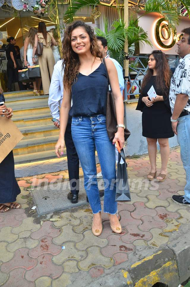 Bollywood diva's spotted at Oceana Store Launch!