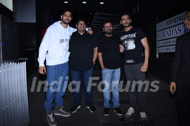 Sidharth Malhotra, Milap Zaveri, Nikkhil Advani and Shaad Randhawa papped around the town