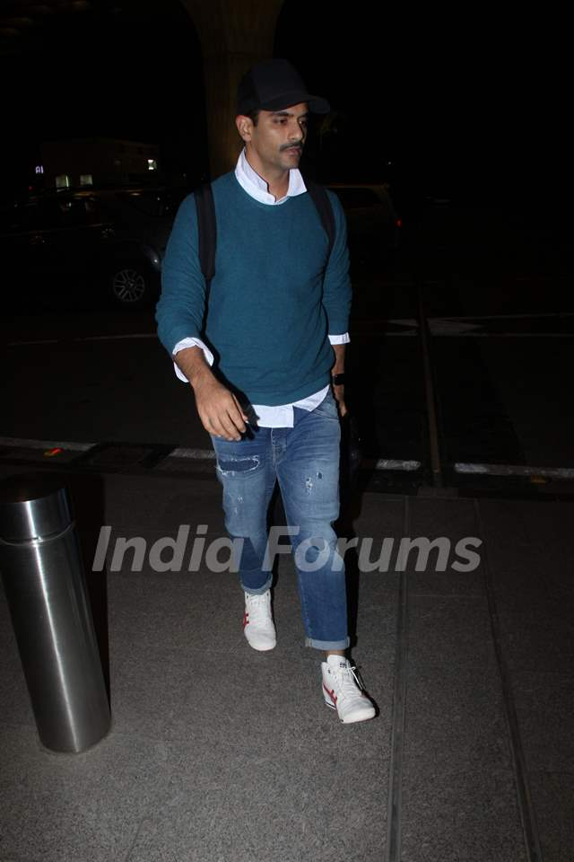 Angad Bedi snapped at the airport