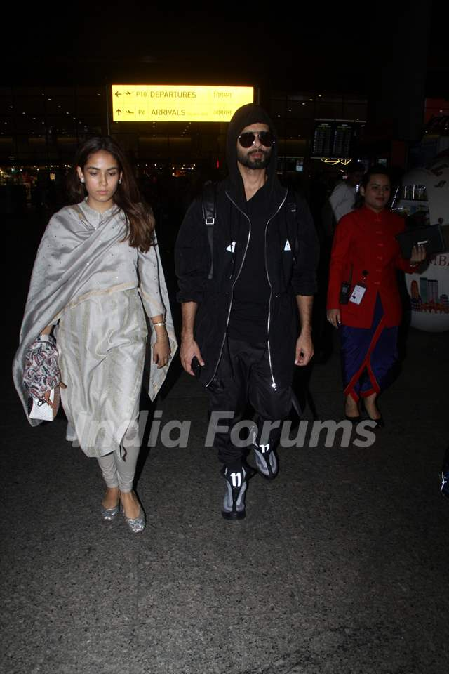 Shahid Kapoor and Mira Rajput Kapoor papped at the airport