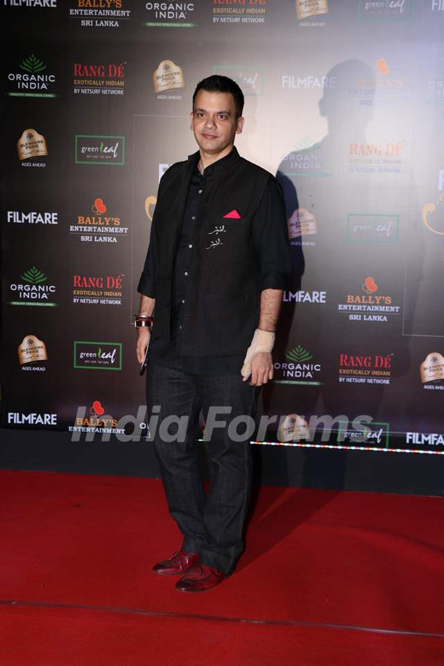 Celebs on the red carpet of Filmfare Glamour and Style Awards 2019