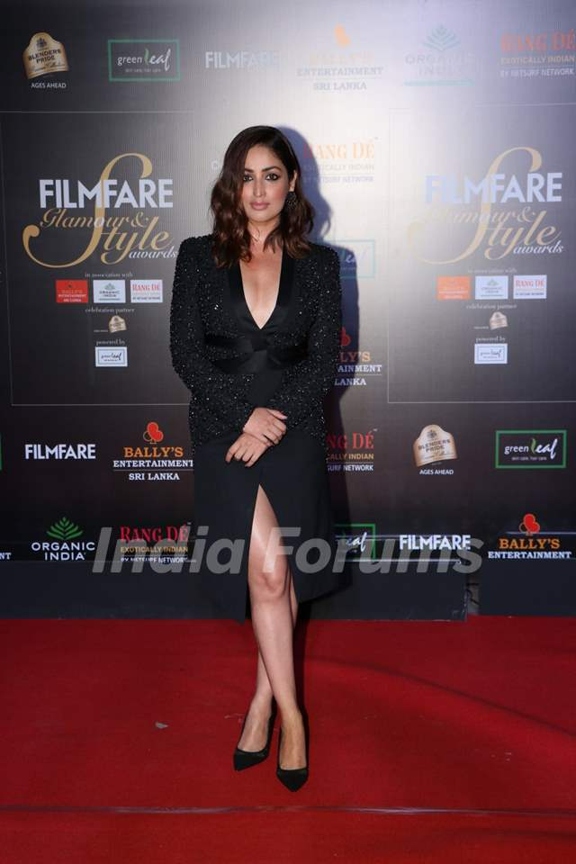 Yami Gautam papped at the Red Carpet of Filmfare Glamour and Style Awards 2019